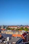 Fotografie krásné panoráma s staré i moderní budovy na slunečný den v Kodani, Dánsko