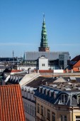 Fotografie Luftaufnahme der schönen Stadtlandschaft mit historischen und modernen Gebäuden in Kopenhagen, Dänemark