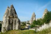 Fényképek régi nagy kő formációk völgyben Cappadocia, Törökország