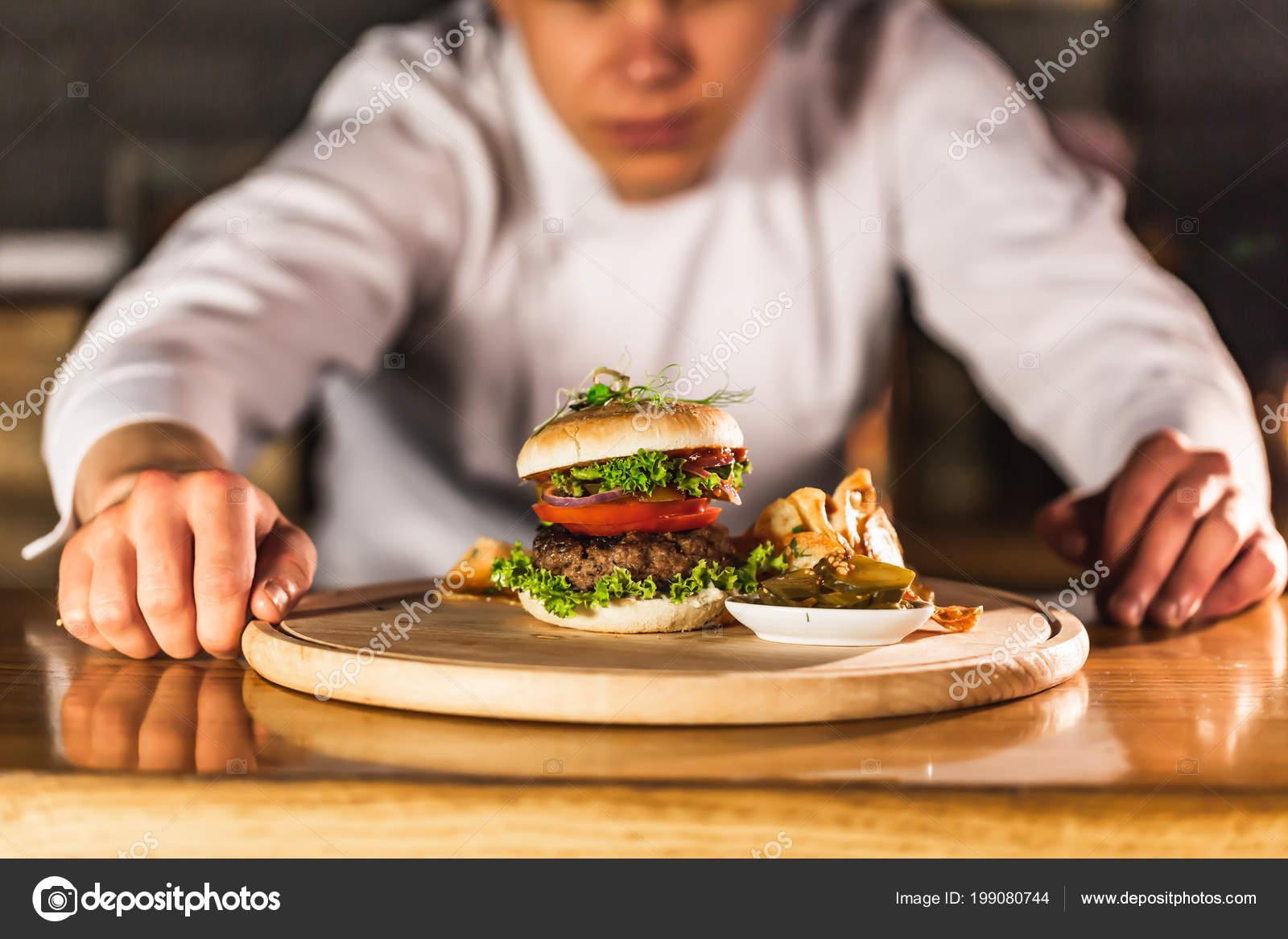 Chef Making Burger Kitchen — Stock