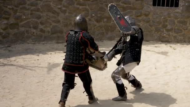 Darstellung der Schlacht von Ritter mit Schwert und Schild