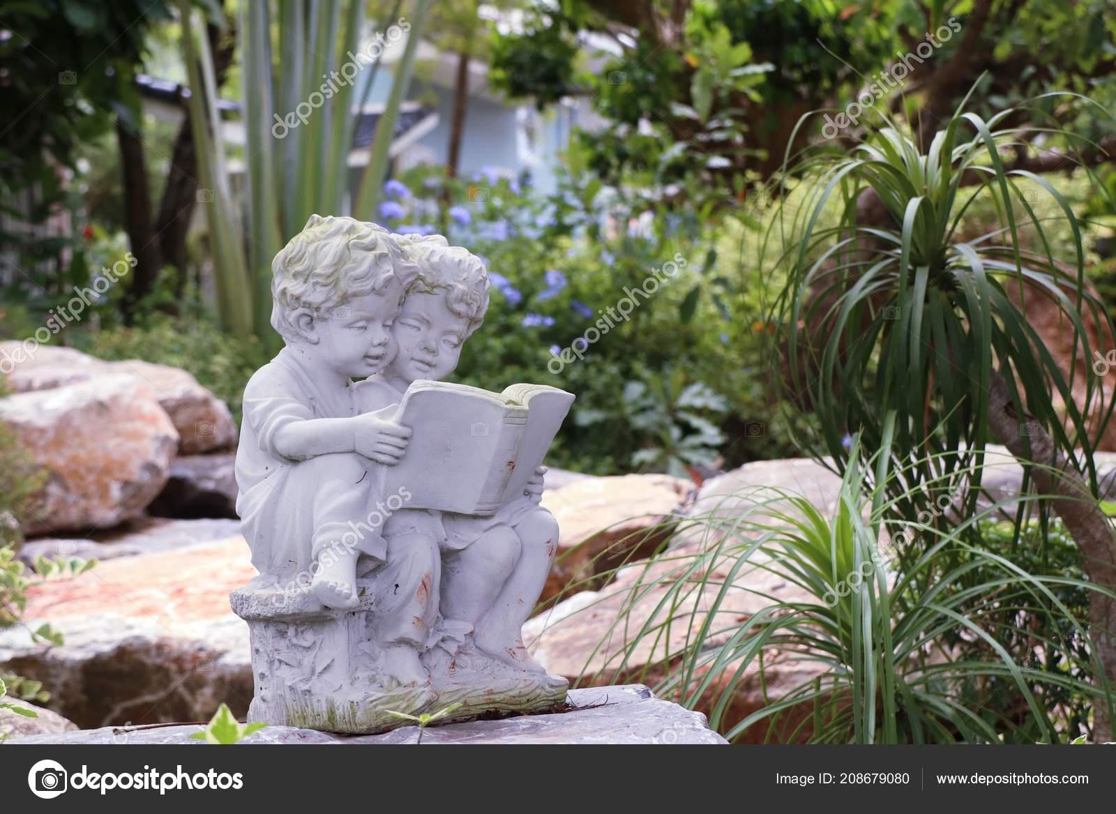 Décoration Jardin Sculpture Vintage — Photographie oilslo ...