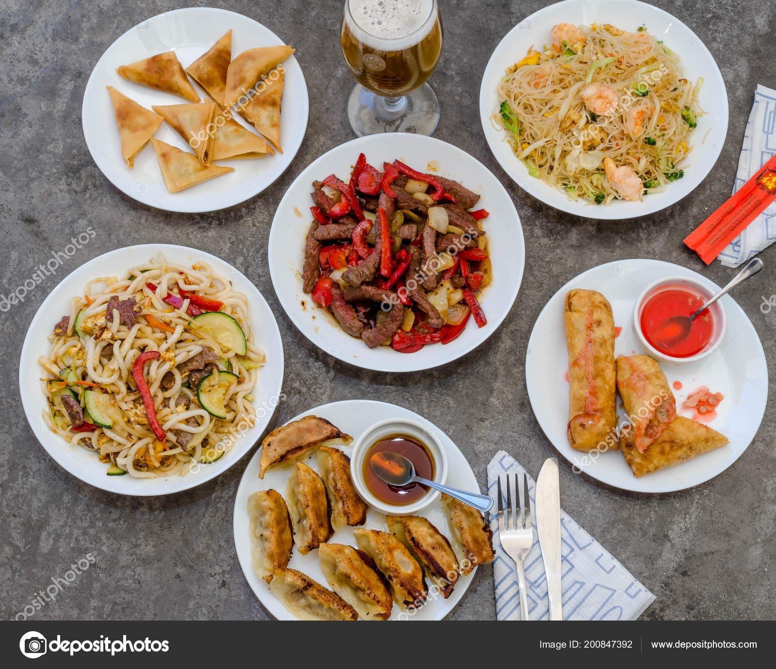 Divers Plats Cuisine Asiatique Dans Restaurant Chinoisu2013 Images De Stock  Libres De Droits