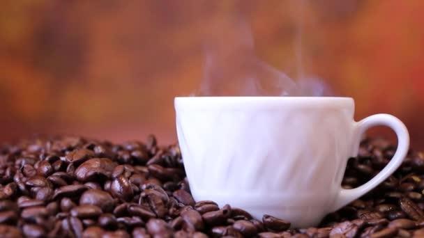 Příprava kávy, kavárna, ráno