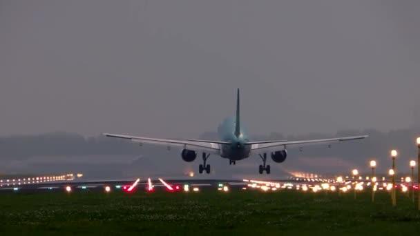 po přistání dopravních letadel