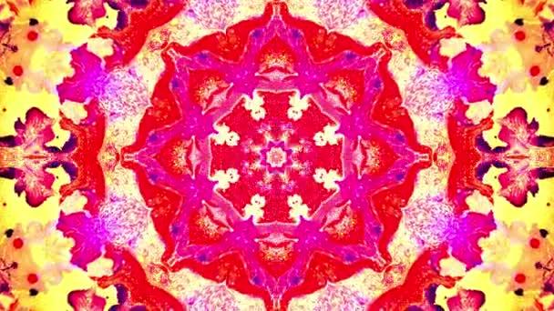 Barevné růžové modré abstraktní pozadí s fraktální animací. 4k plynulá smyčka. Geometrický grunge kaleidoskop s modrými, růžovými a červenými barvami. Vzorky sekvence kaleidoskopu. Grafický vzor pro pohyb