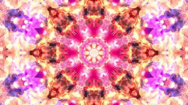 Pestrobarevné růžové žluté Vánoce abstraktní květinové záběry s fraktální animací. 4k plynulá smyčka. Geometrický grunge kaleidoskop s sekvencerickými vzory. Krásné vánoční svátky.