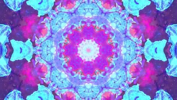 Pestrobarevné růžové modré Vánoce abstraktní květinové záběry s fraktální animací. 4k plynulá smyčka. Geometrický grunge kaleidoskop s sekvencerickými vzory. Krásné vánoční svátky.
