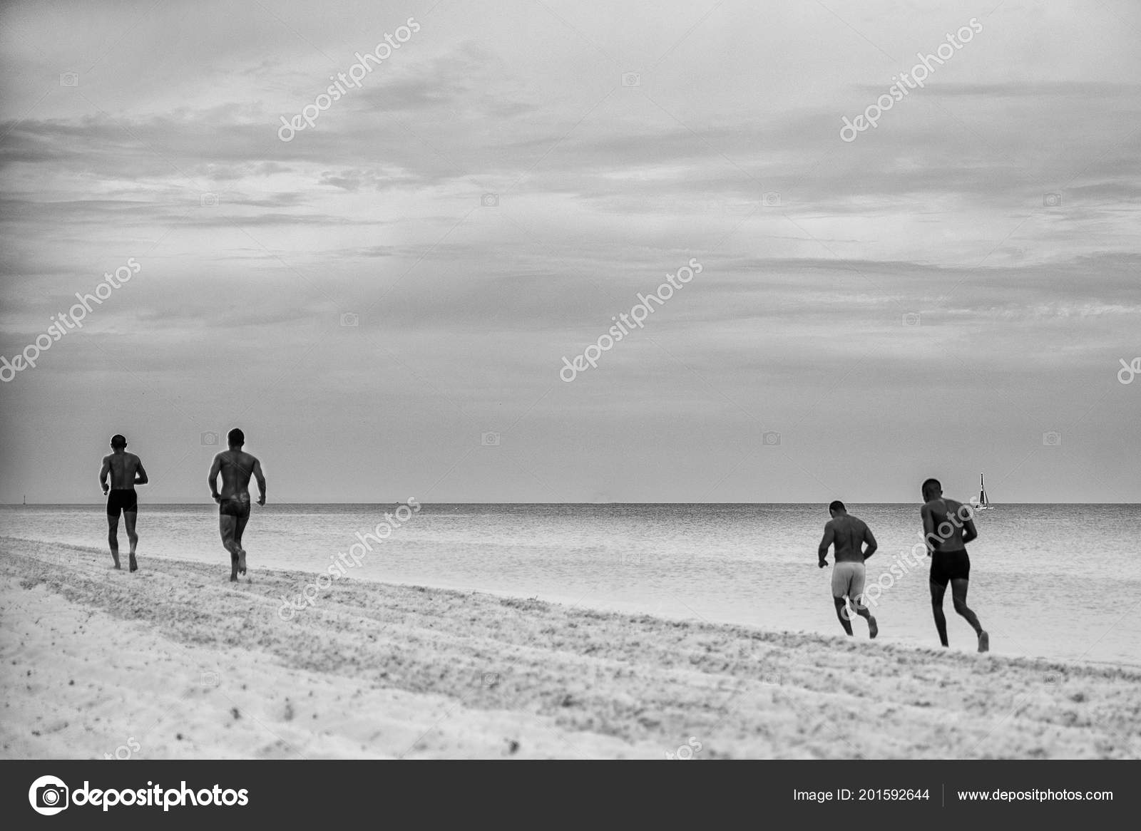 Black White Photos Training Athletes Beach Stockfoto Darkbercut