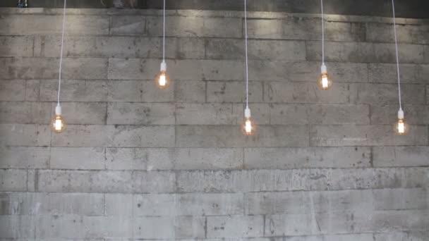 Ötágyas vintage retro függő lámpák, stock footage