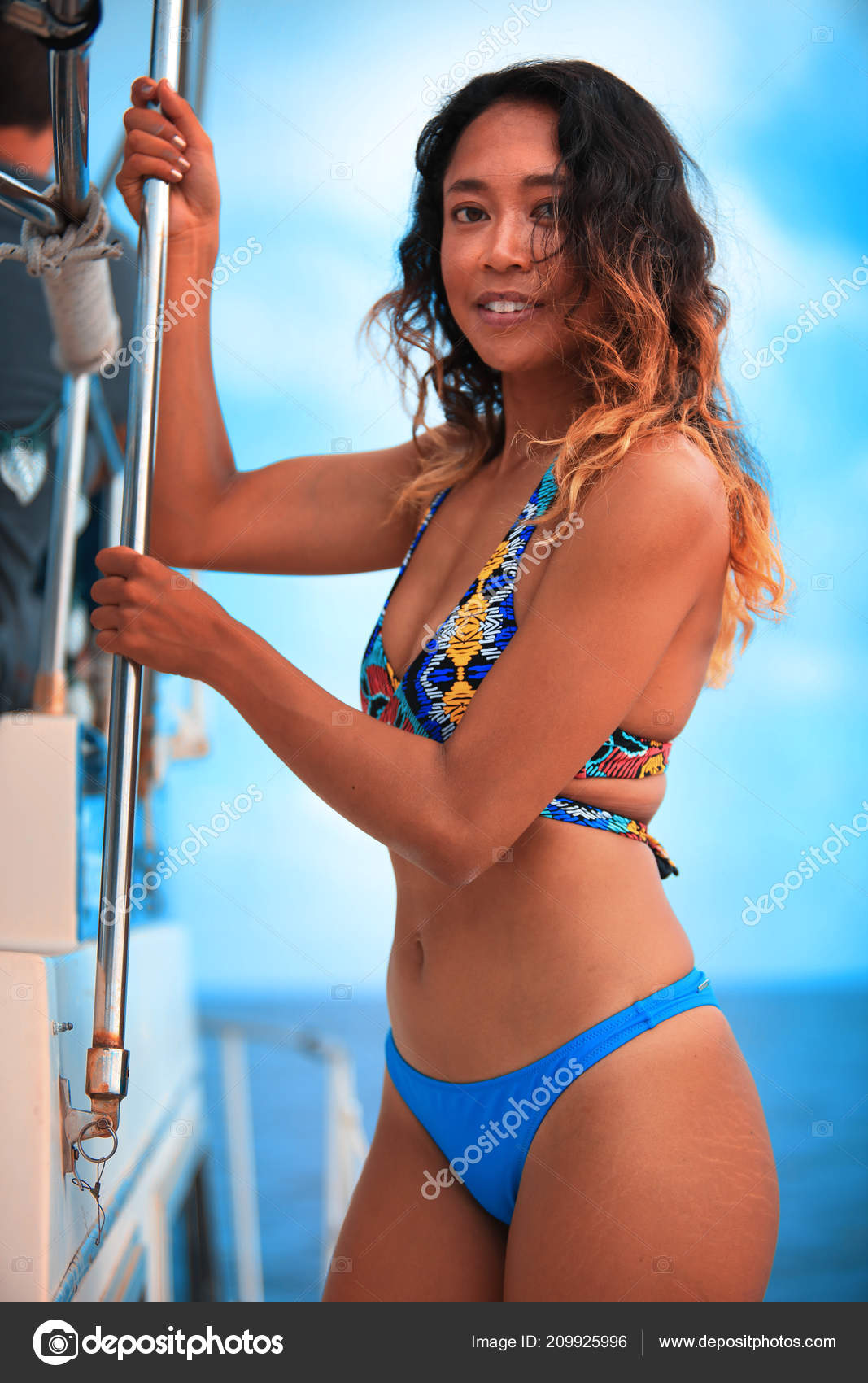 girls Sexy side bikini