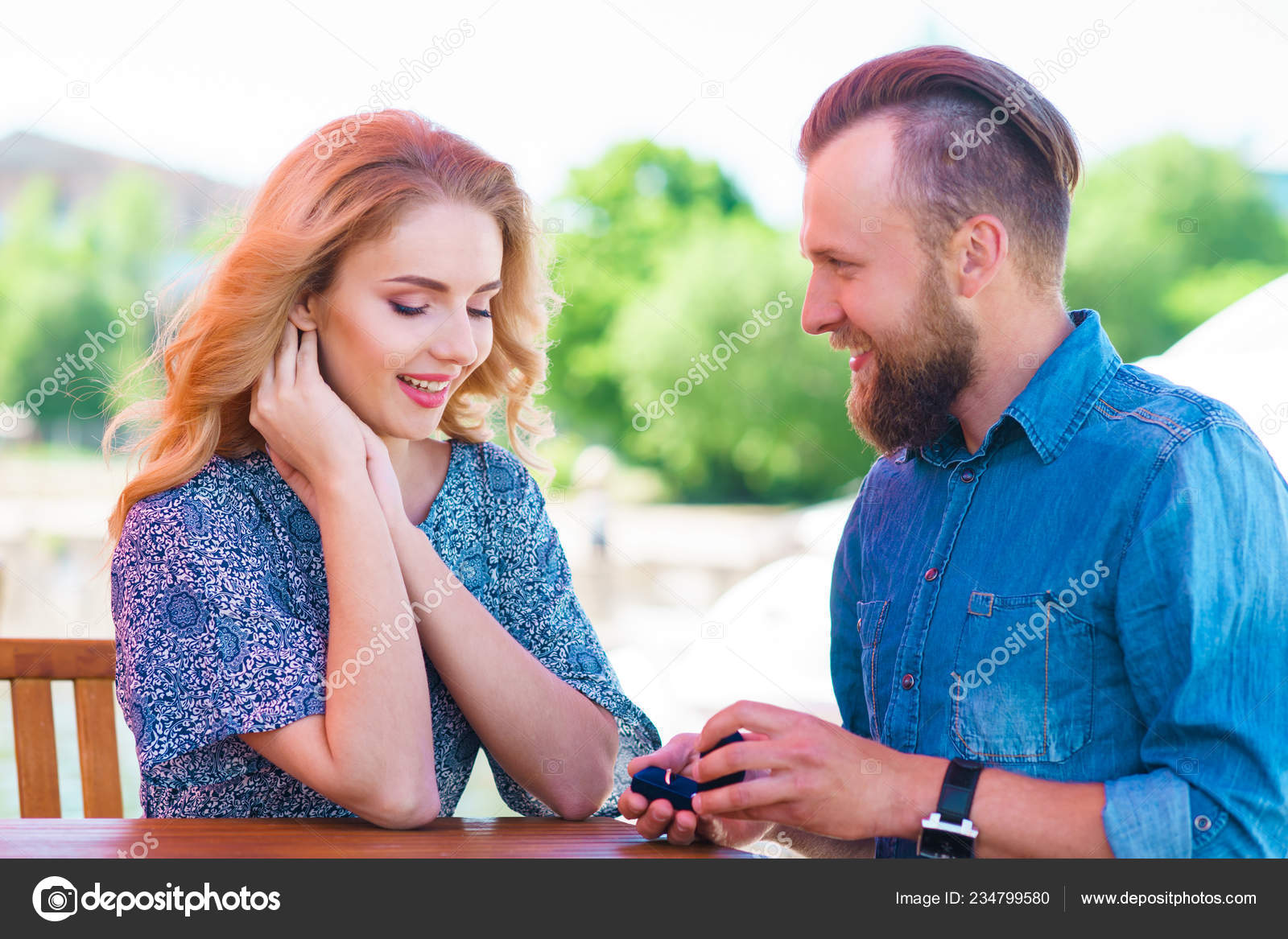 dating an engaged man