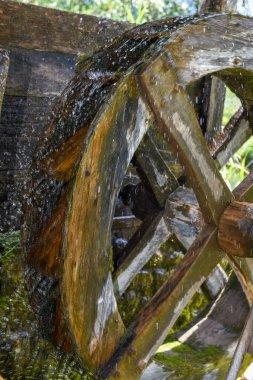 """Картина, постер, плакат, фотообои """"Античный деревянный водяное колесо в Энгельберге в швейцарских Альпах"""", артикул 218467640"""