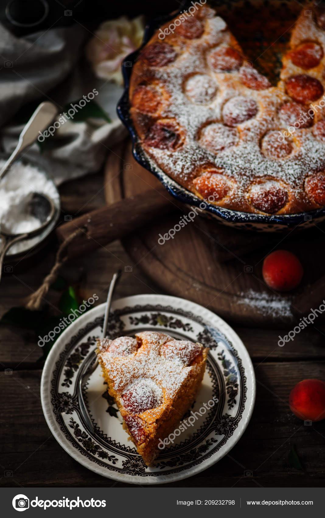Aprikose Weichen Kuchen Dunkle Rustikale Photo Selective Fokus