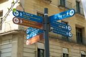 Ulice, ukazatel, znaménko směr ulic, náměstí a jiné kulturní a historické místa