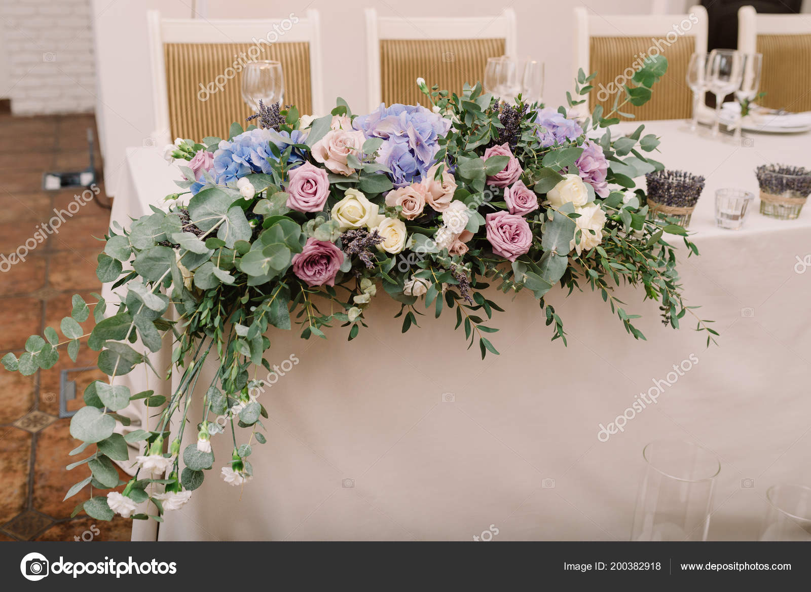 Stylove Svatebni Stul Dekorace Kvetiny Stock Fotografie