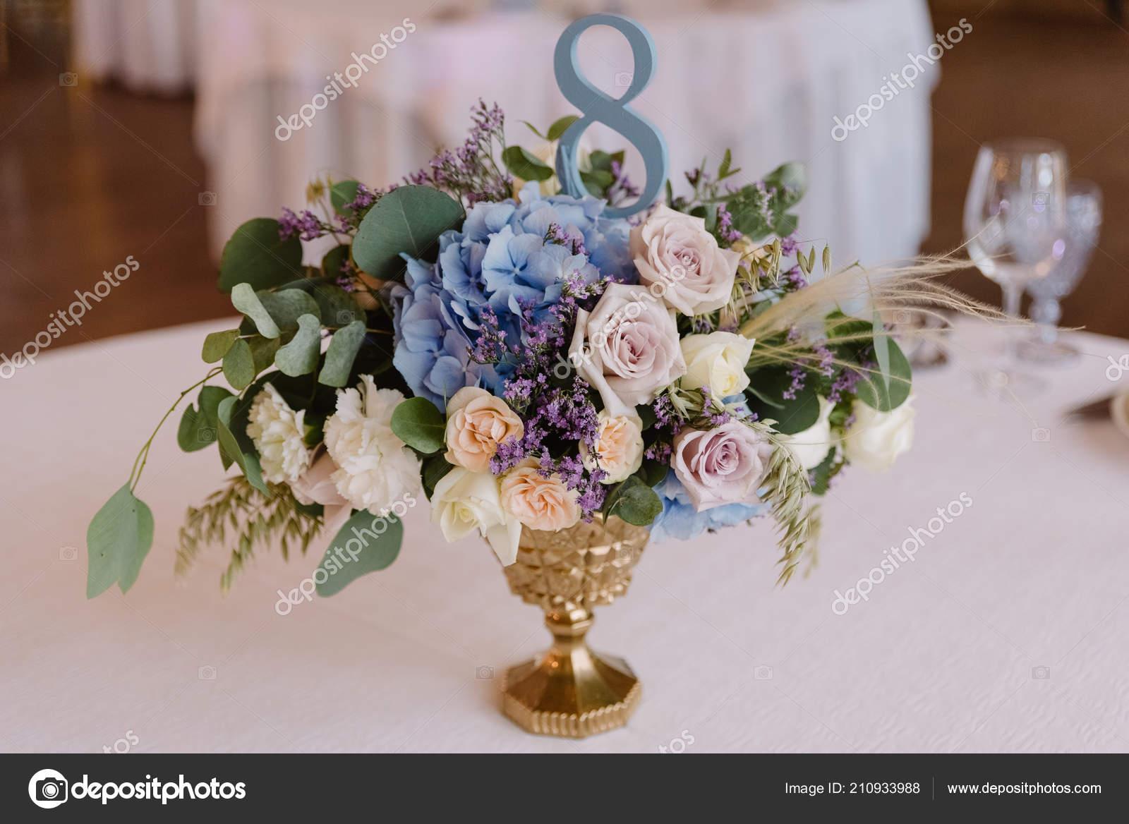 Elegante Klassiker Von Einer Hochzeit Dekoration Hochzeits Tisch