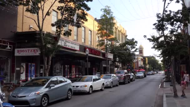 Mobile, Alabama, Usa - červenec 2018: Nižší Dauphin Street Historic District v městě z Mobile, Alabama, Spojené státy se starými budovami a zajímavosti