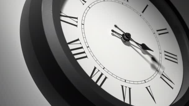 Latin Clock Face in Time Lapse a fehér falon