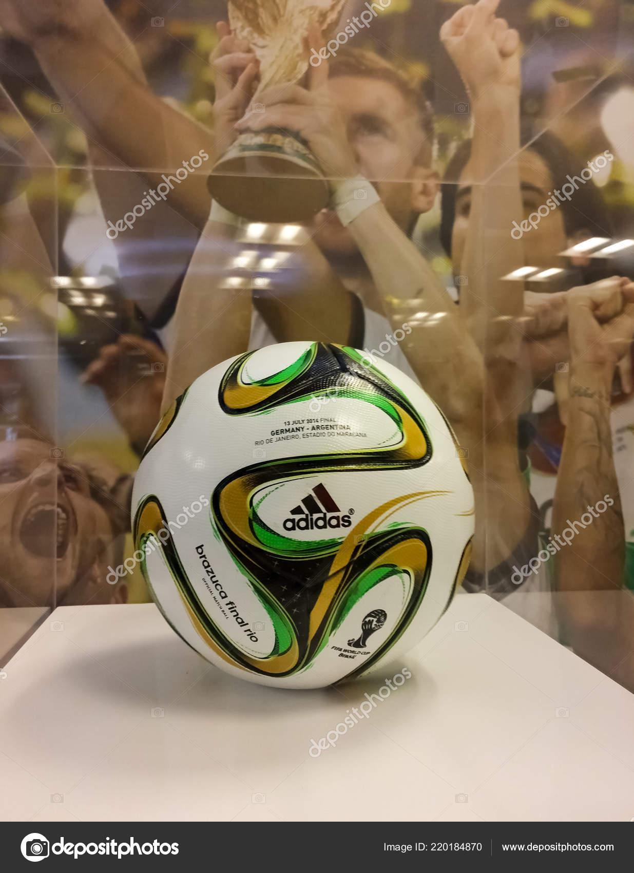 09dbd444d8 Bola Futebol Usada Copa Mundo Fifa Brasil 2014 Chamado Brazuca — Fotografia  de Stock