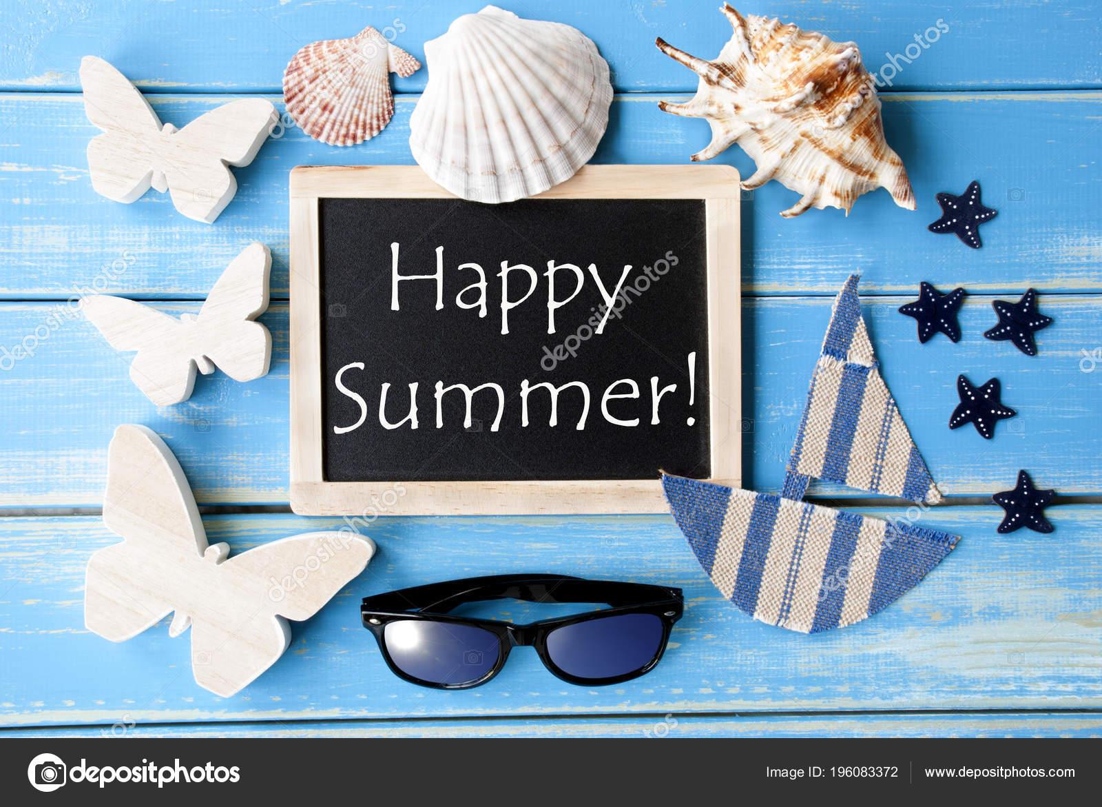 Tafel mit maritimer Dekoration und Text Happy Summer — Stockfoto ...
