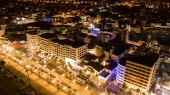 Photo aerial view of hotels district in modern city, Cyprus