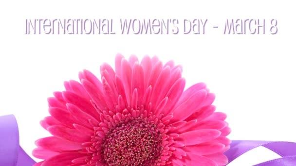 Mezinárodní den Dámské, březen 8, fialové stuhy s animovaným textem.