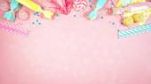 Happy birthday party téma kreativní dispozice byt ležel s negativním kopírovacím prostorem.