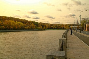 embankment of the Moscow river in the autumn