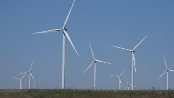 Mulini a vento, turbine eoliche, agricoltura frumento campo Generatore potenza, elettricità
