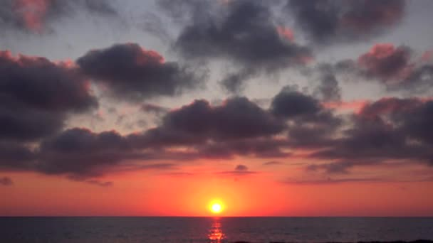 Sunset Beach Timelapse, východ slunce na moře, výhled na oceán při západu slunce v létě