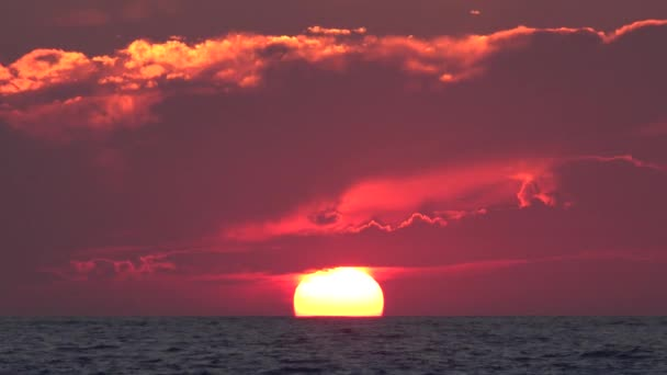 Sunset Beach, východ slunce na pobřeží oceánu při západu slunce v létě, Twilight krajina