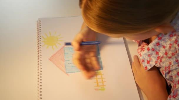 Dětská kresba dům, Dětské zbarvení, Školní dívka dělat řemesla, Dětská výchova, Vzdělávací pohled
