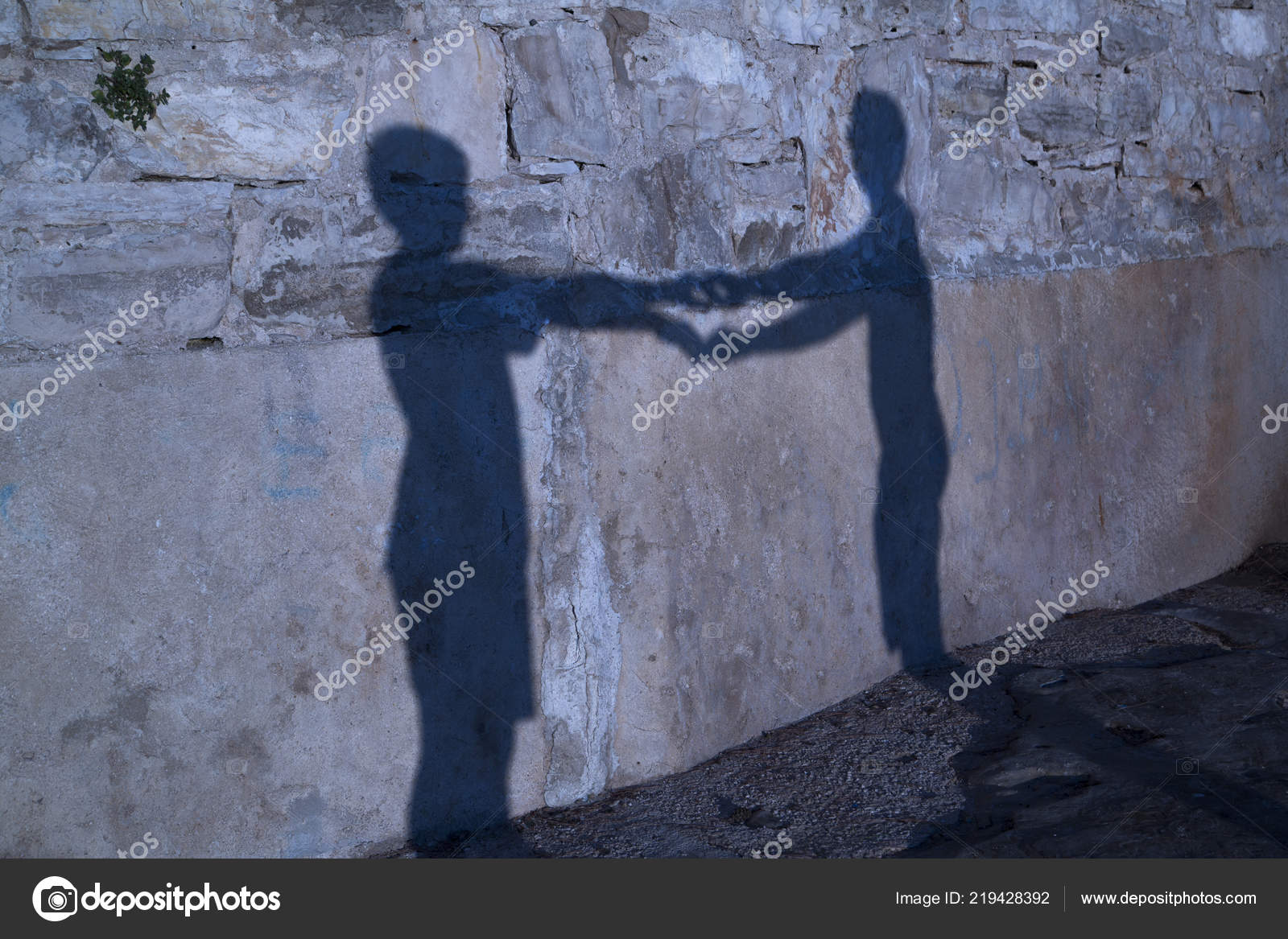 Shadow Happy Two People Holding Hands Sunset — Stock Photo ... bda4a6d9dd