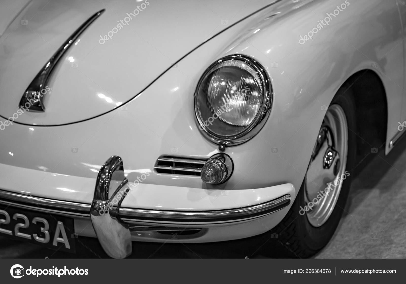 Farol Dianteiro Classico Carro Esportivo Porsche 356 Fotografia De Stock Editorial C Tobyparsons 226384678