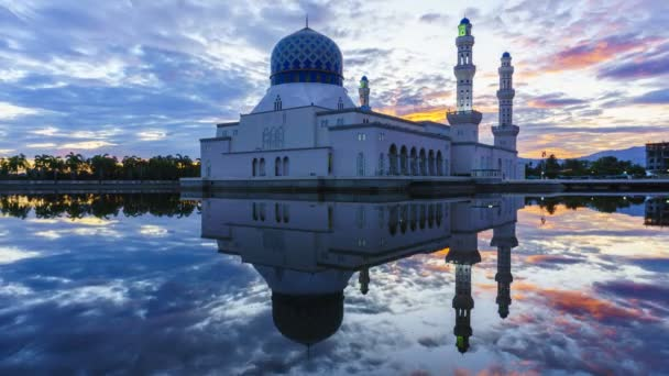 Amazing sunrise of Likas Mosque(Masjid Bandaraya Likas), Kota Kinabalu, Sabah, Malaysia in 4k resolution