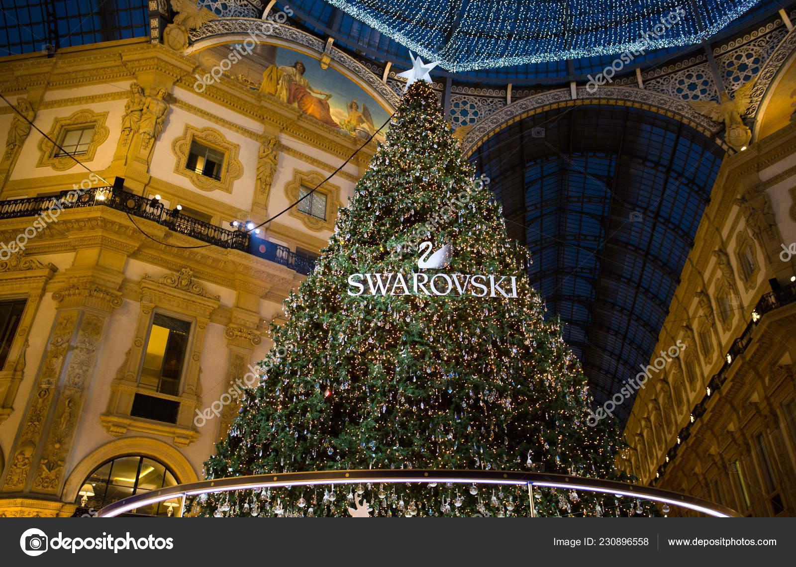 Albero Di Natale Yahoo.Milano Dicembre 2018 Galleria Vittorio Emanuele Milano Con Albero