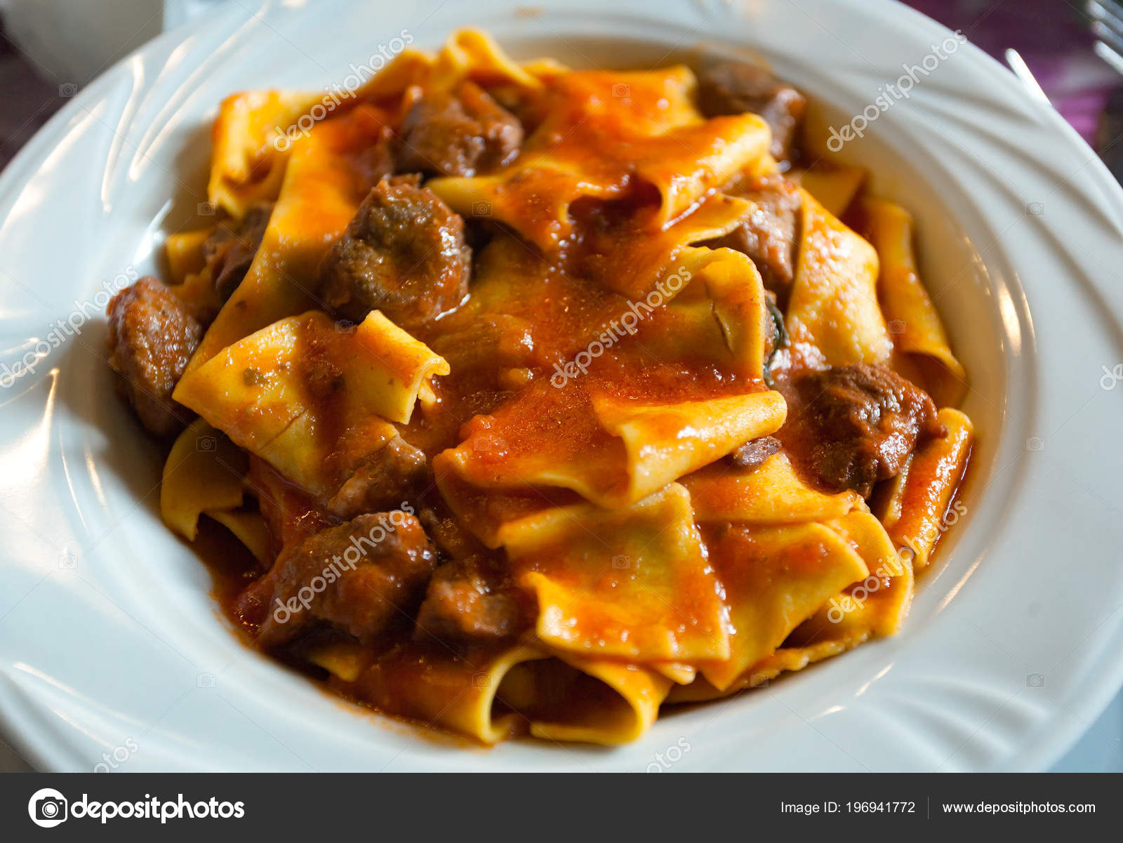 Pappardelle Med Vildsvin Ragu Toskanska Typiska Recept Italiensk