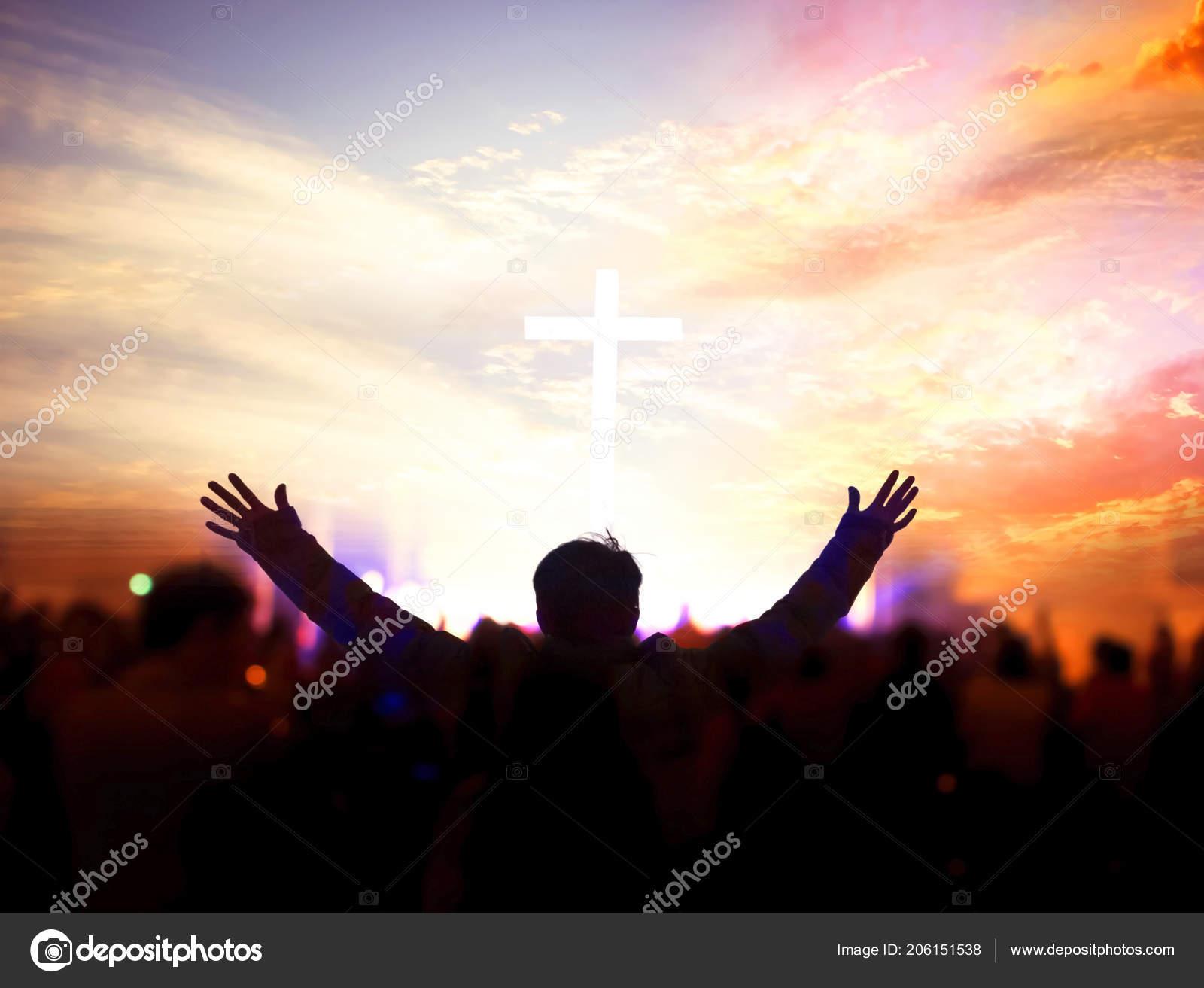 Alabanzas Cristianas De Adoracion iglesia adoración concepto cristianos levantando sus manos
