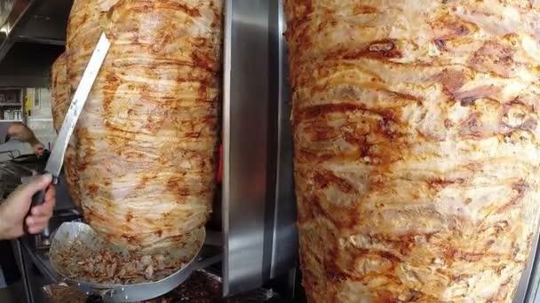 Fáro nebo gyros je řecký pokrm, vyrobený z masa vařené na vertikální gril, tradičně vepřové nebo kuřecí