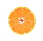 Plátek čerstvé pomerančové closeup izolovaných na bílém pozadí