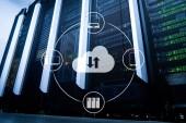 Cloud-Server und Computing, Datenspeicherung und -verarbeitung. Internet und Technologie-Konzept.