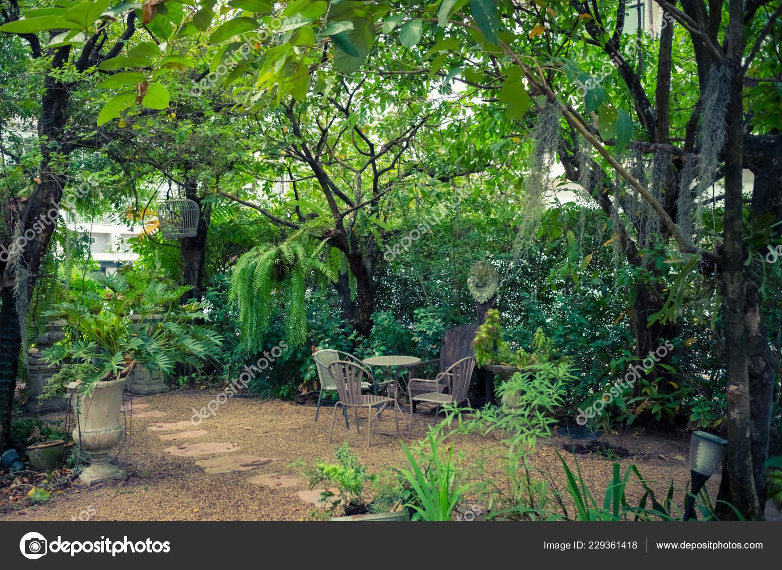 Tropical English Garden Style Home Interior Decoration Green
