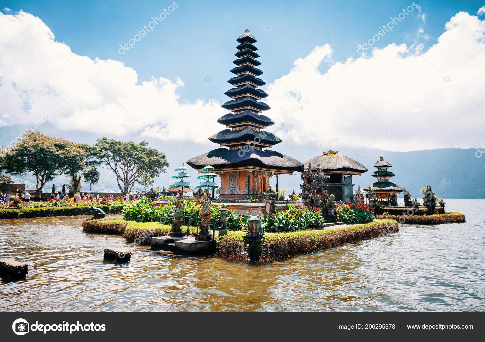 Pura Ulun Danu Bratan Temple Bali Indonesia Stock Photo
