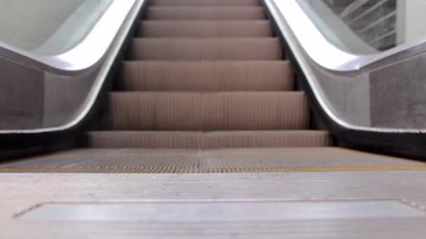 moderní schodiště eskalátor schodiště