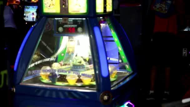 hrát jackpot hry světla pouť