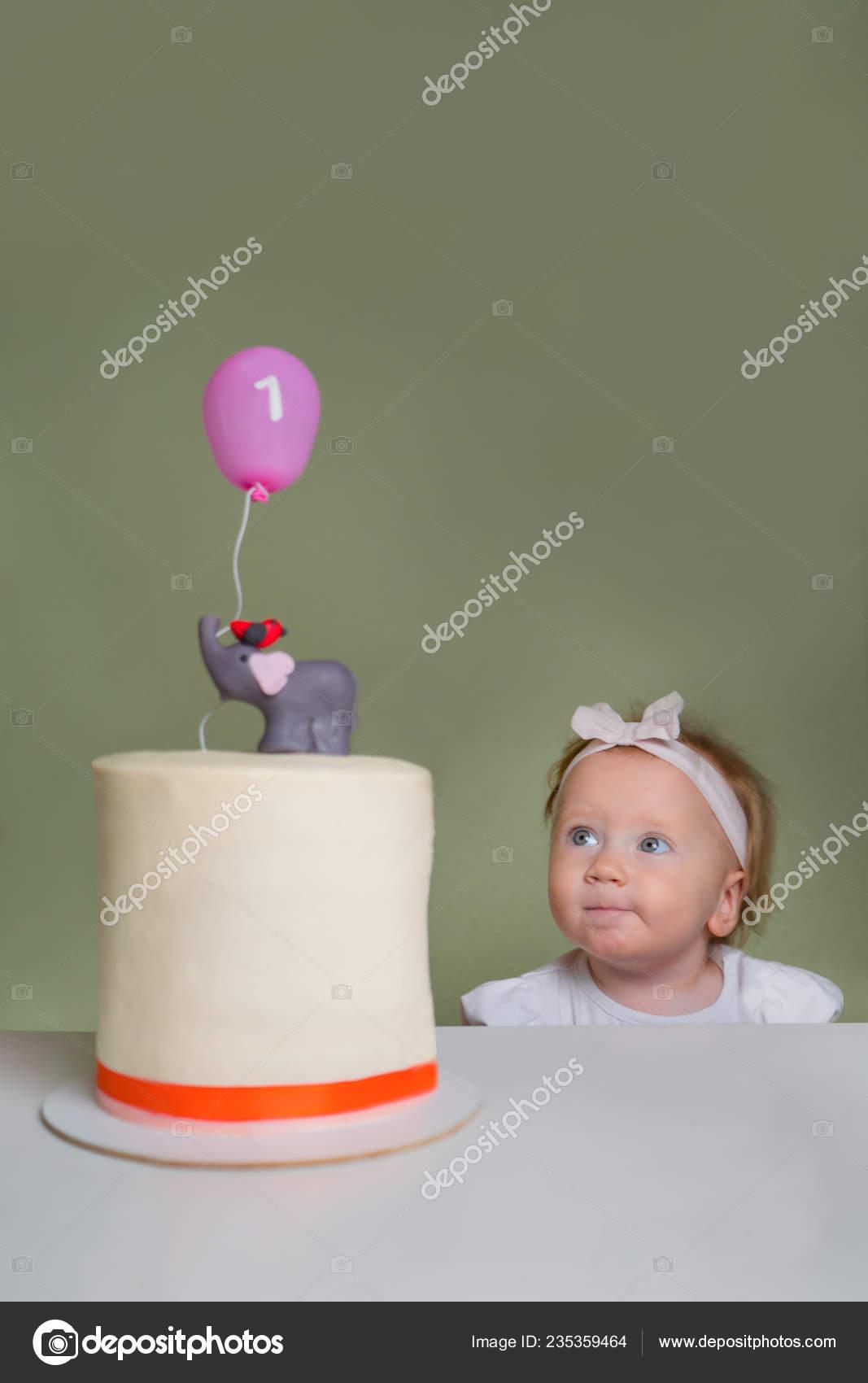 Surprising Little Girl Birthday Cake One Year Old Girl Celebrating Her Funny Birthday Cards Online Inifodamsfinfo