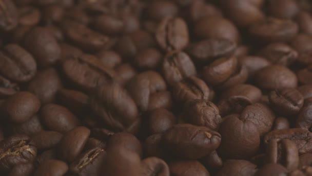 kávová zrna makro. Brown pražená kávová zrna. Detailní záběr kávová zrna. Mnoho kávová zrna