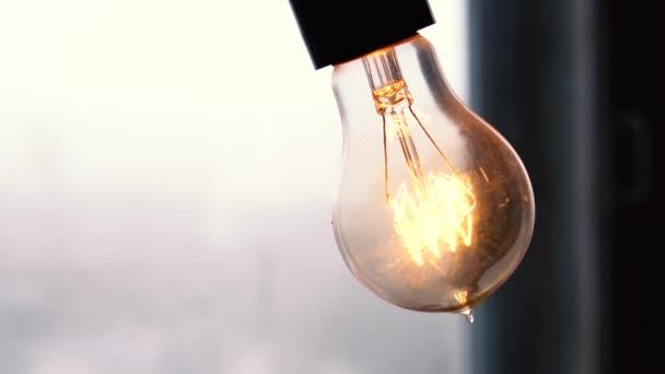 Lampy s Wolframové vlákno. Edison žárovku. Žárovky žárovky v retro lampy. Retro design světelných zdrojů.