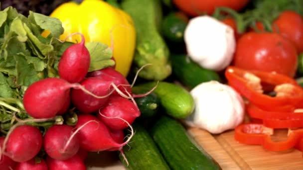 az egészséges ételek, friss zöldségek, főzés